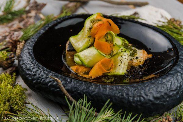 Филе форели (лосося) в соусе мисо с овощными лентами