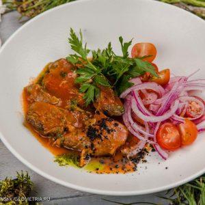 Кострец ягненка, томленый в соусе из прованских трав