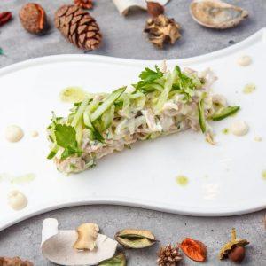 Салат из кальмара с фирменным яйцом и огурцом