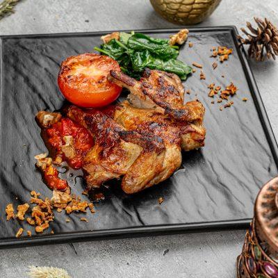 Цыпленок гриль с томатами и домашней аджикой